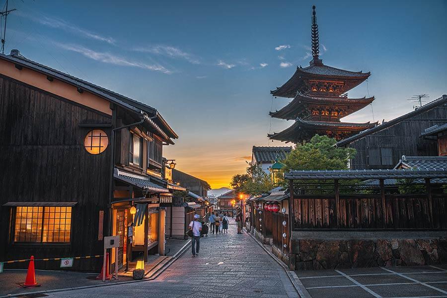 京都のチャットレディ4店舗を徹底比較!おすすめの高収入を稼げる事務所