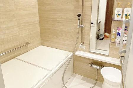 グラマラスブランドバスルームの写真